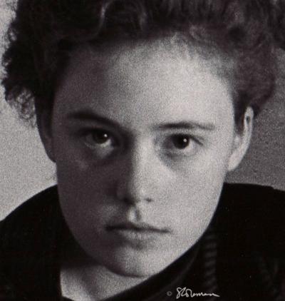 Self-Portrait, Artist, Young, Woman, suzanne, coleman, art, photo, black, white, print, face, 1988, University, Illinois, Urbana, Champaign, dorm, room, camera, nikon, F, grain, grainy, genius,mind